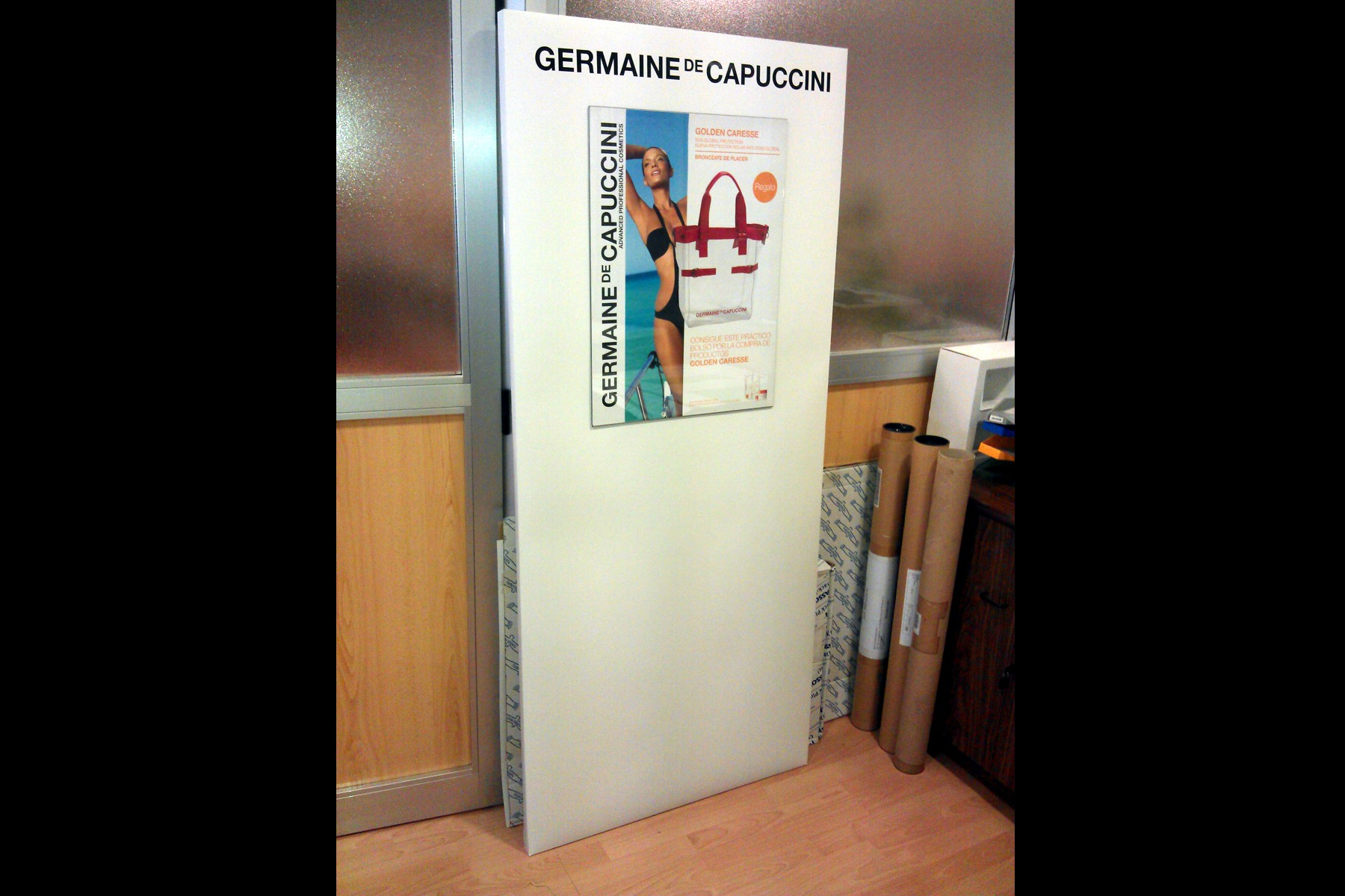 ESCAPARATE-GERMAINE-DE-CAPUCCINI-96A1
