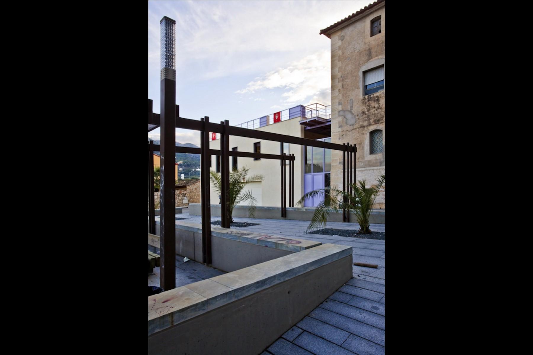 Imaginarq-181-edificio-polivalente-PPFF-Pego-Alicante-02A