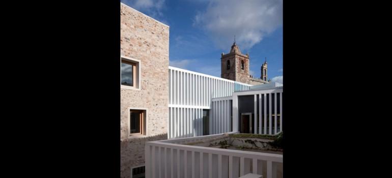 Un polémico hotel de Cáceres, premio FAD de Arquitectura